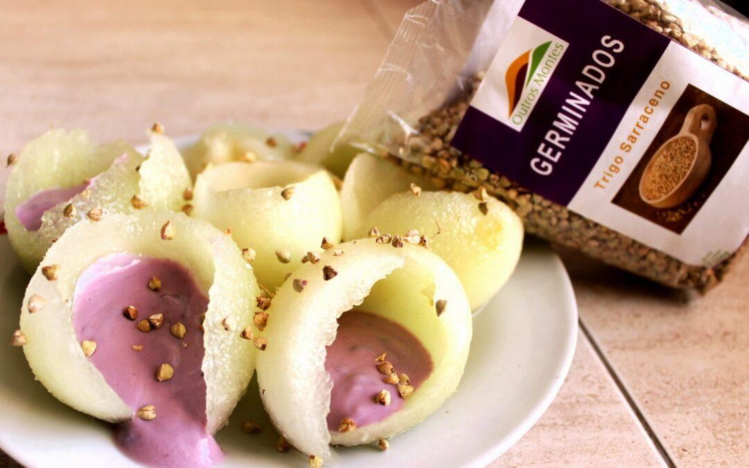 Meloa Recheada de Iogurte e Trigo Sarraceno